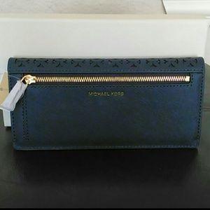 d94e0a351db0 MICHAEL Michael Kors Bags - NWT Michael Kors Desi Flat Wallet Navy Blue